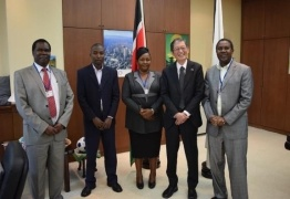 Ambassador Terada with the representatives of Initiative for Green Kenya