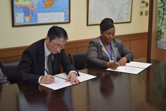 Grant contract signing between H.E.  Mr Terada, Ambassador of Japan to the Republic of Kenya and Ms. Edith Martha Mulwa, Secretary/CEO of Initiative for Green Kenya